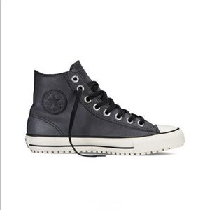 CONVERSE CHUCK TAYLOR LEATHER BOOT MID IN BLACK